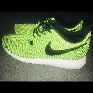 Nike Roche neon yellow
